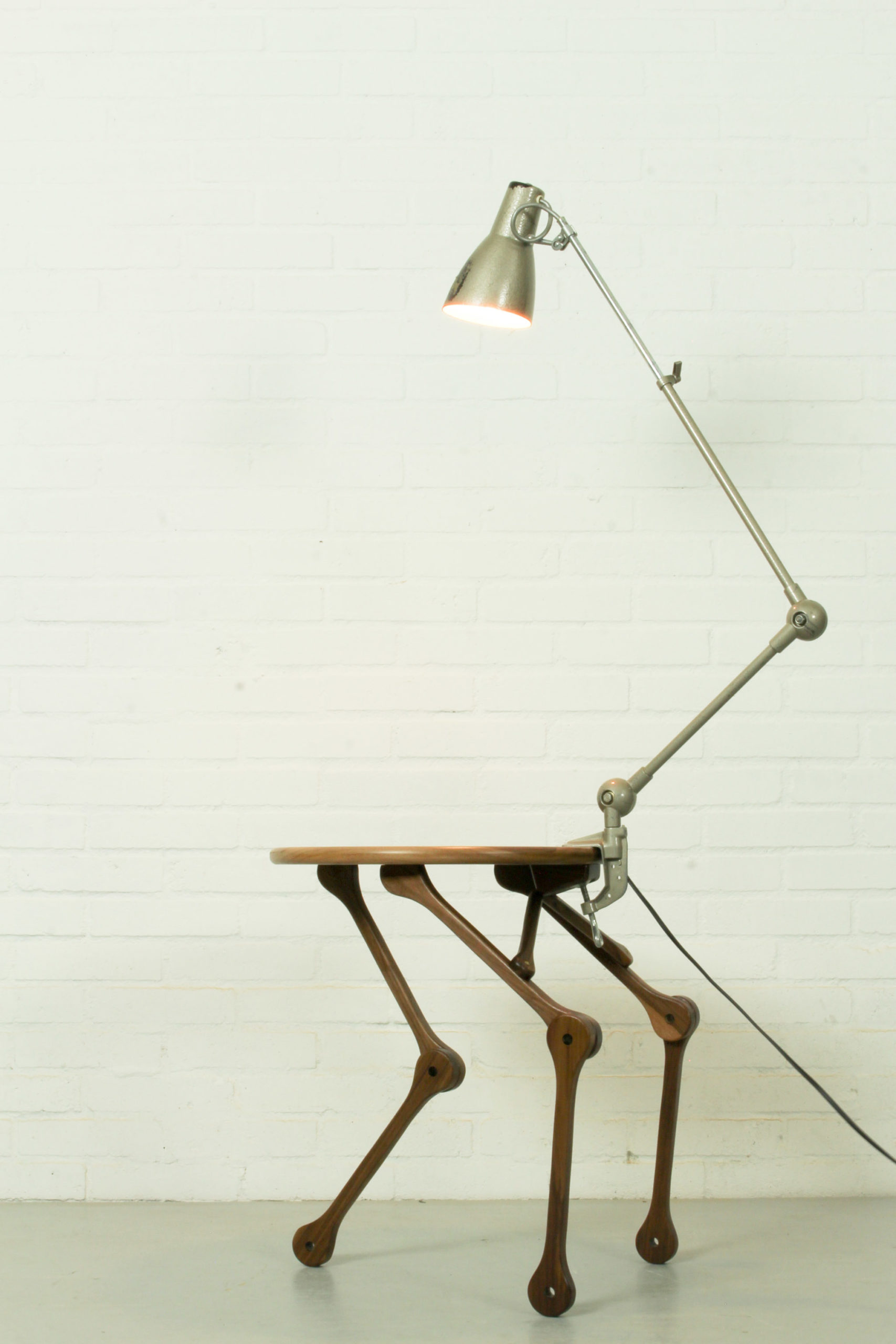 Cool And Funky Industrial Robotic Style Table Lamp The Great Apple